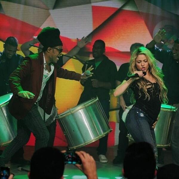 Shakira est arrivée à Rio: elle chantera pour la clôture du Mondial !