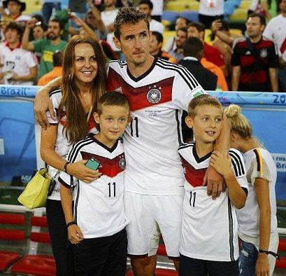 Focus sur les WAGS allemandes !