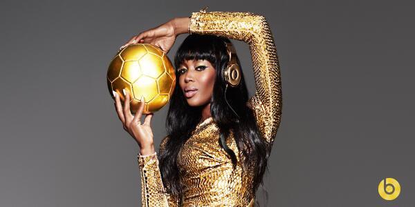 Des casques en or 24 carats pour les champions du Monde !