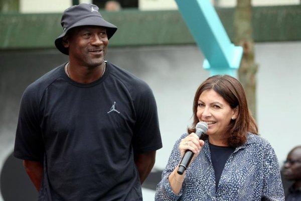 Jordan inaugure un terrain à Paris