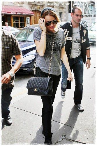 • Miley - Candids