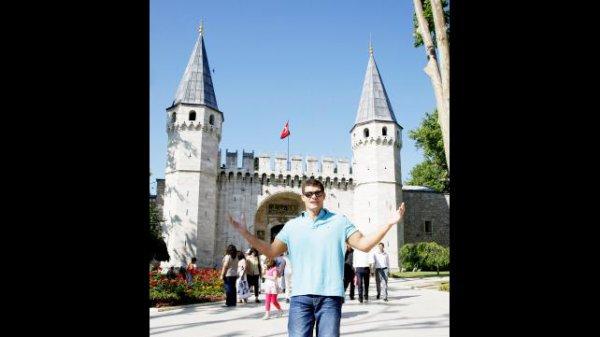 cody rhodes en visite a istanbul (2)