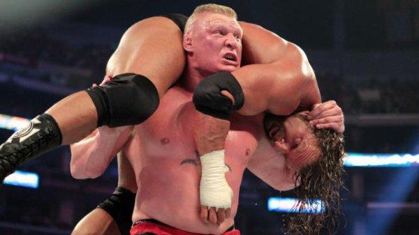 "SUMMERSLAM : Brock Lesnar vs Triple H , The ""Prefect storm"""