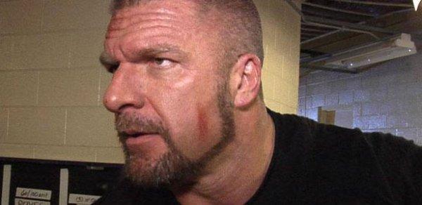 HHH vs Brock Lesnar !!