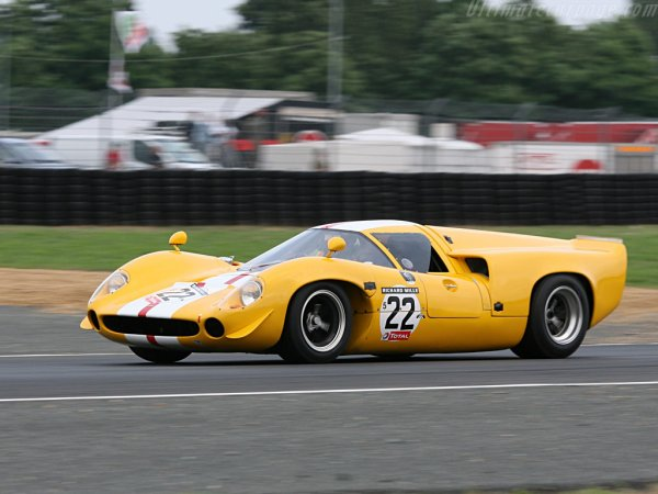 Lola T70 MKIII, when racecars were sexy...