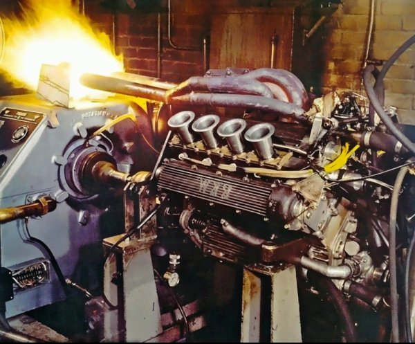 BRM P261 V8 screaming and roaring  on dyno...
