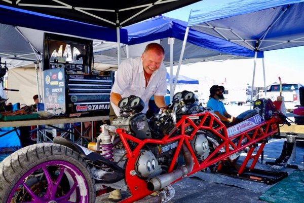 Ducati V4 ...