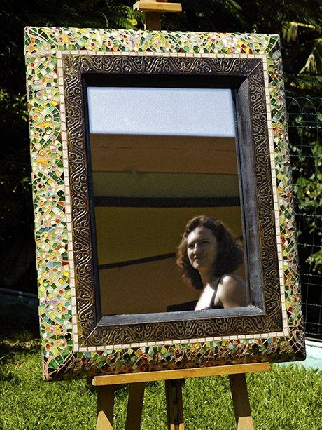 Il est Miroir moins le quart dans le jardin du bout du monde....