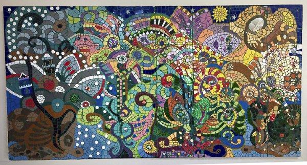 """Mise en place des """"Quatre Saisons"""" (2,50 x 1,25 M) à l'Ehpad de Belvès"""