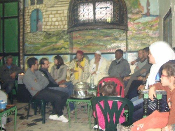au café chawachine a la médina de Tunis — à La Médina, Tunisia.