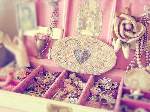 Les bijoux ne font pas les contes de fées.