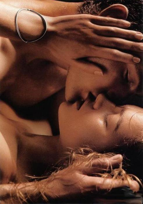 si je pouvais avoir juste un souhait je voudrais me réveiller tous les jours au son de ton souffle sur mon cou le touché de tes doigts sur ma peau la chaleur de tes lèvres et la sensation de ton c½ur qui bat avec le mien sachant que je n'ai jamais pu trouver ce sentiment avec quelqu'un d'autre qu'avec toi