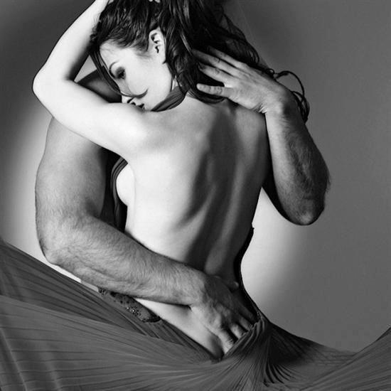 si je pouvais avoir juste un souhait je voudrais me réveiller tous les jours au son de ton souffle dans mon coula chaleur de tes lèvres sur ma joue au toucher de tes doigts sur ma peau et la sensation de ton c½ur qui bat avec le mien sachant que je ne trouverais jamais ce sentiment avec quelqu'un d'autre que toi