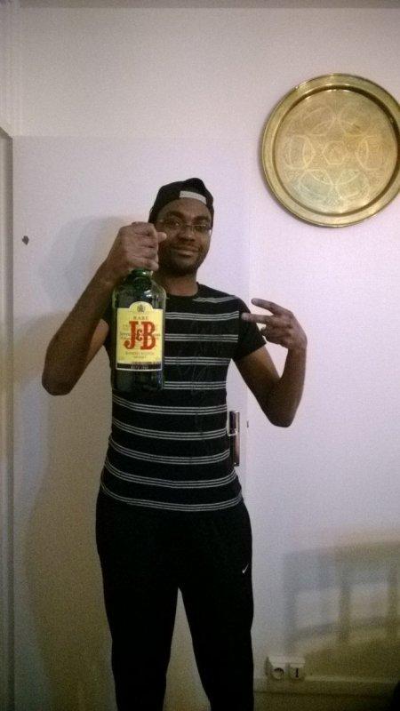 jonathan92izi  fête ses 28 ans demain, pense à lui offrir un cadeau.Aujourd'hui à 08:04