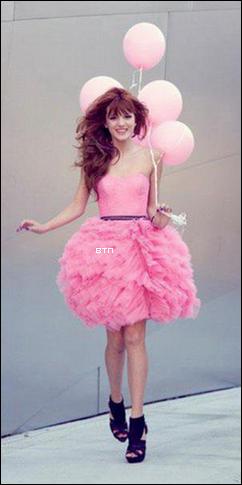 Photos Twitter de Bella et ses amis + vidéo de Bella, Zen et Kenton + photo de fan + comparaison de photos