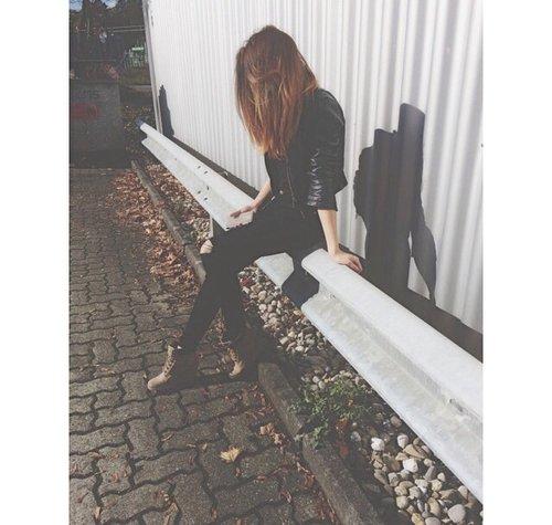 ♔ C'est devenu banal d'être sentimentale.