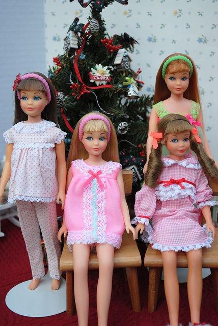 Barbie et ses amies eux aussi fetent noel blog de les3blondes555 - Image de violetta et ses amies ...