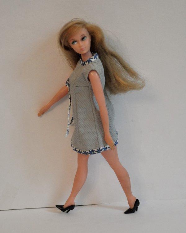 pour ce week-end la jolie Caprice 1 er modèle de 1964 avec sa robe d'époque l la voici toute propre