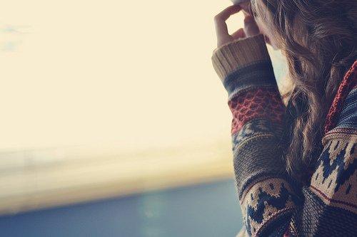 On est toujours persuadé qu'il n'y a qu'une personne au monde à aimer. Et on en trouve une autre pourtant un jour. Et ça a l'air dingue de s'être autant inquiété pour ça au début.