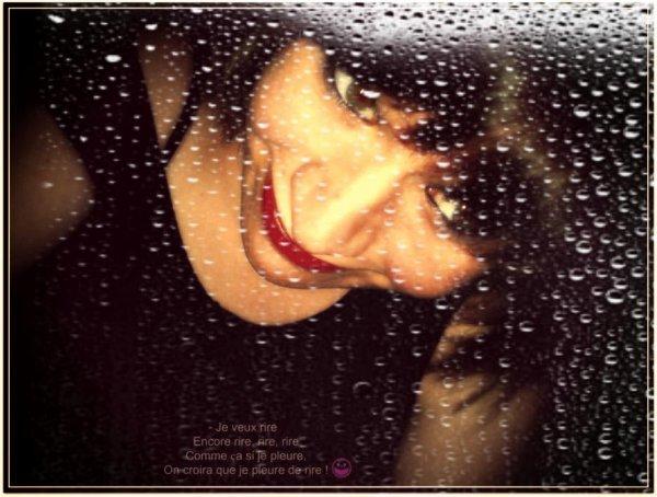 « J'αimerαis être celle qu'il αime .Être celle α qui il pense constαmment .Celle αvec qui il voudrαit être et pαsser tout son temps .Être celle qui lui donnerαit le sourire αux lèvres . »