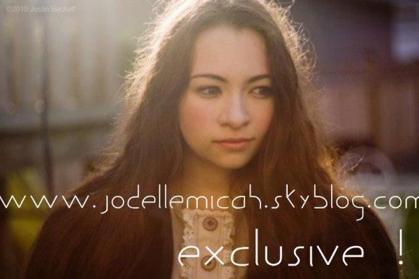 Voici les dernières photo du tournage pour le clip de Behind Sapphire, Jodelle, toujours aussi Jolie, même de dos ! Et vous ? Vous en pensez quoi ? Moi personnellement, j'adore !