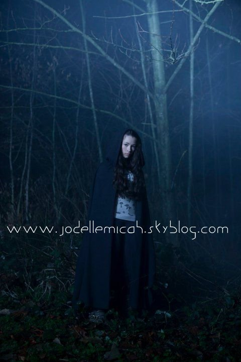 "Jodelle dans la Série ""The Haunting Hour"" dans l'épisode ""My Sister the Witch"""