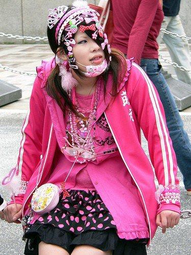 (彼・それ)らとゴシック派のロリータを飾り付けました。 そして飾られたロリータ私は同じく恐ろしいものコーラス少女が好きです。