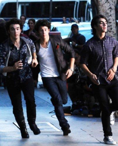Jonas Brothers 4_3v3r<3