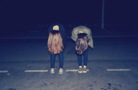 Des amis, ce sont des personnes qui vous connaîent bien et qui vous aime quand même ...