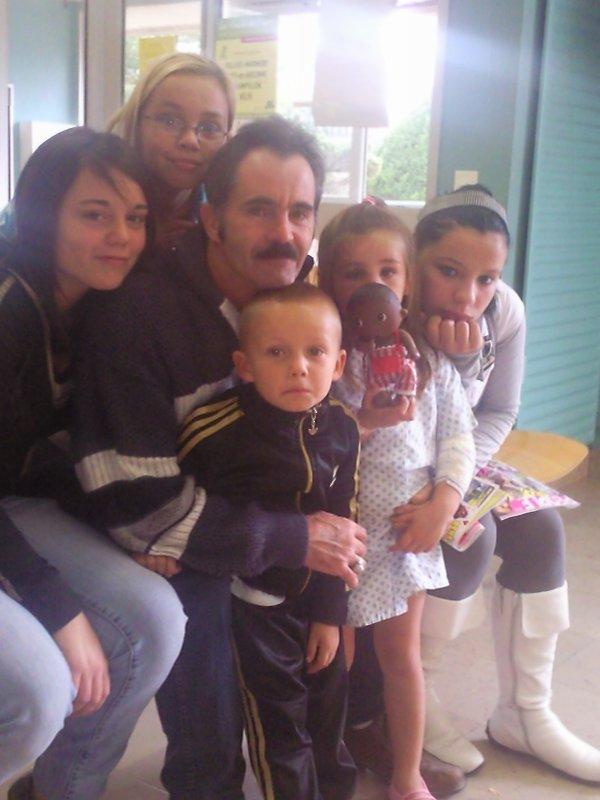 (l) la famille (l)