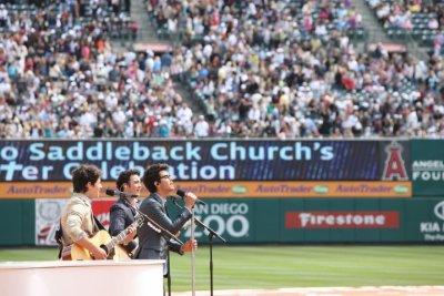 les fréres Jonas a l'angels stadium