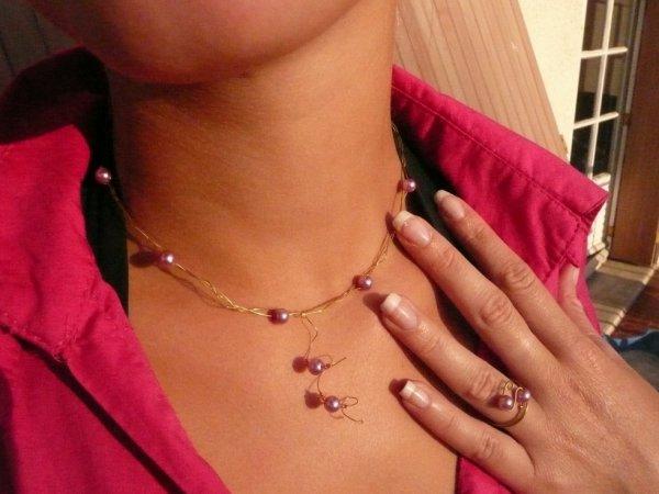 bague et collier perles rose