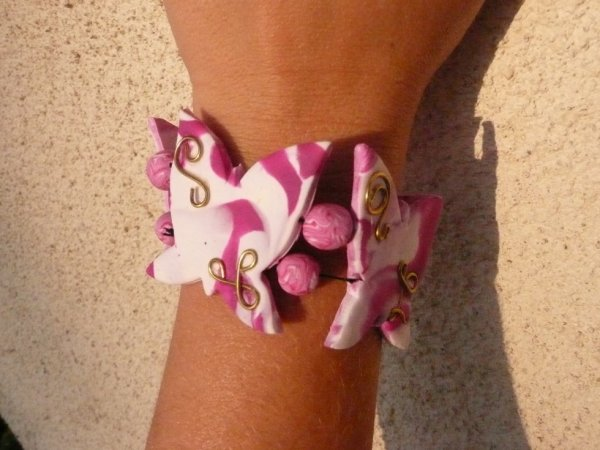 bracelet papillons rose