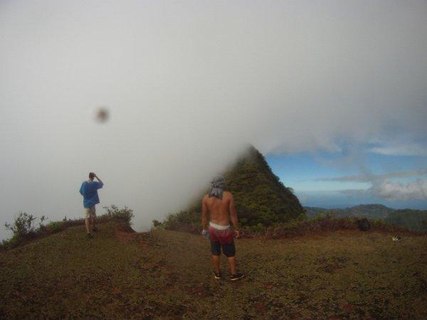 Méchante rodonée with my friends Mont aorai 2°refuge,,, jah lov Tahiti