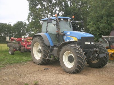 new holland tm 175 avec rouleau 9 m rau
