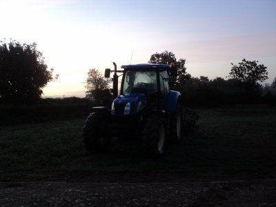 new holland t 6050 et tm 155 en stage