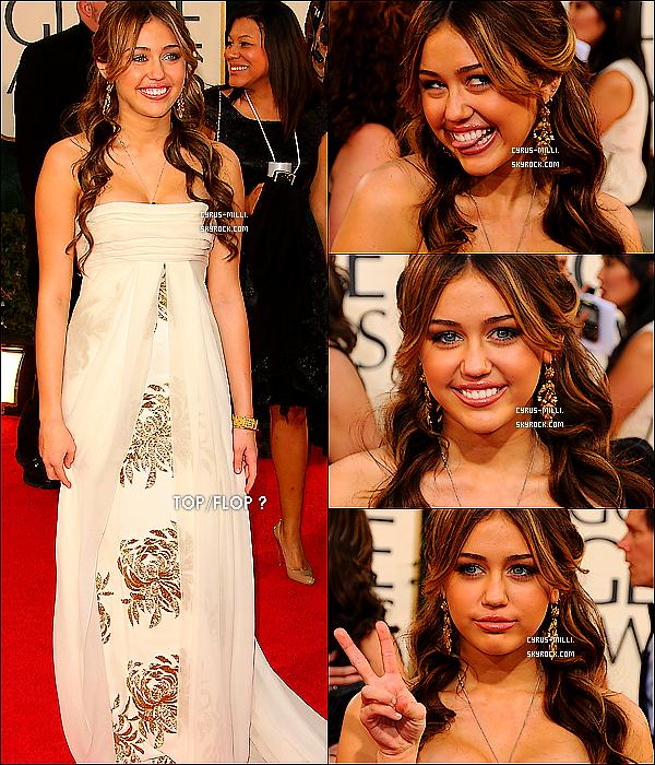 .       11 janvier 2009 : Miley Cyrus était présente à la cérémonie des Golden Golbes  à Los Angeles.     .