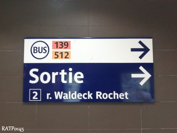 Front Populaire Metro