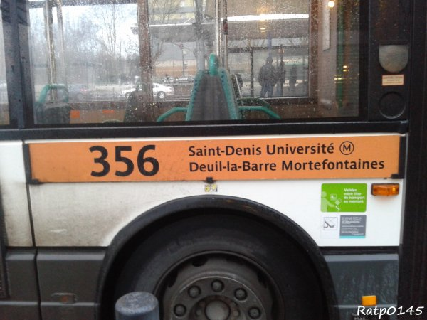 Saint-Denis Université Métro