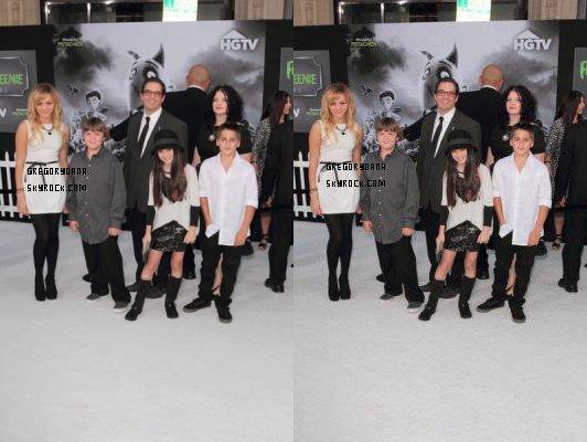 Oana et le cast de C&B on été a l'avant première de frankenweenie en 2012. D'autre photo seront ajouté