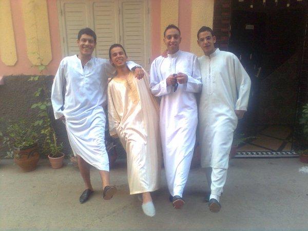 [g]moi and 3achran  ou 3id moubarak sa3id 3la konl slawyin lhrar