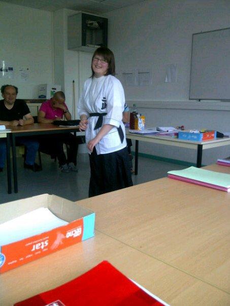 Roxane 22 ans célibe Alsace aide cuisine amatrice de kung-fu