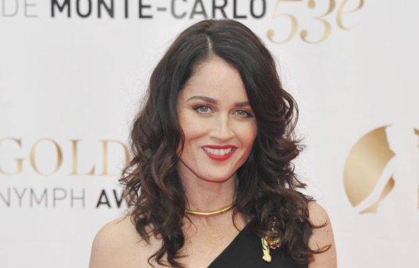 Aujourd'hui 19 juin, Robin Tunney l'interprète de Teresa Lisbon dans The Mentalist fête ses 41 ans. Joyeux anniversaire à elle !