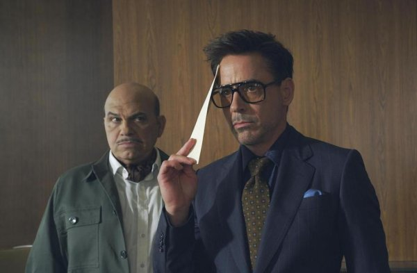Buzz - 12.08.2013 : nouveau teaser HTC avec Robert Downey Jr