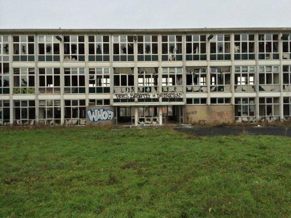 Renaix : dans un bâtiment abandonné, les superbes fresques Batman d'un artiste anonyme