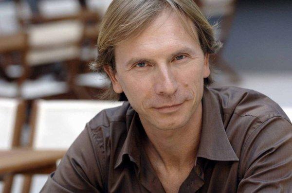 Interview de Thierry Ragueneau, la voix française du Mentalist !