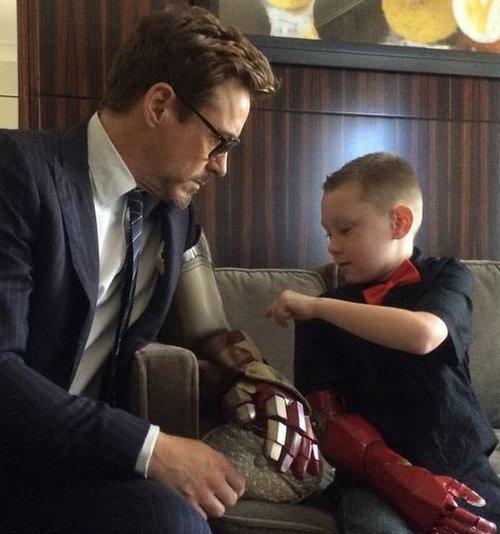 Quand Robert Downey Jr. joue les Tony Stark pour un jeune handicapé