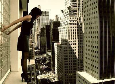 C'est malheureux de s'égarer, mais il y a pire que de perdre son chemin, c'est de perdre sa raison d'avancer.