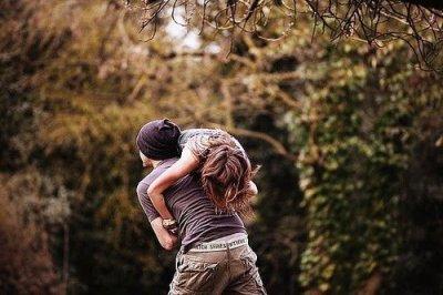 """""""Comme le reflet du bleu du ciel sur l'océan... La beauté de l'amour se voit, quand il se vit à deux."""""""