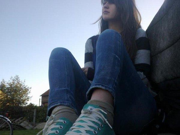 Bored (a)